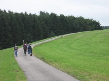 Männer auf dem Pilgerweg