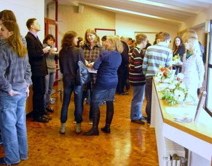 Menschen beim Gemeindetag